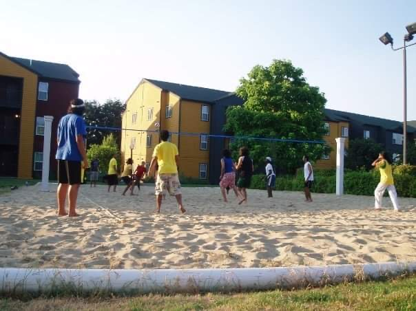 アメリカ留学中のターニングポイントとなった寮でのビーチボール