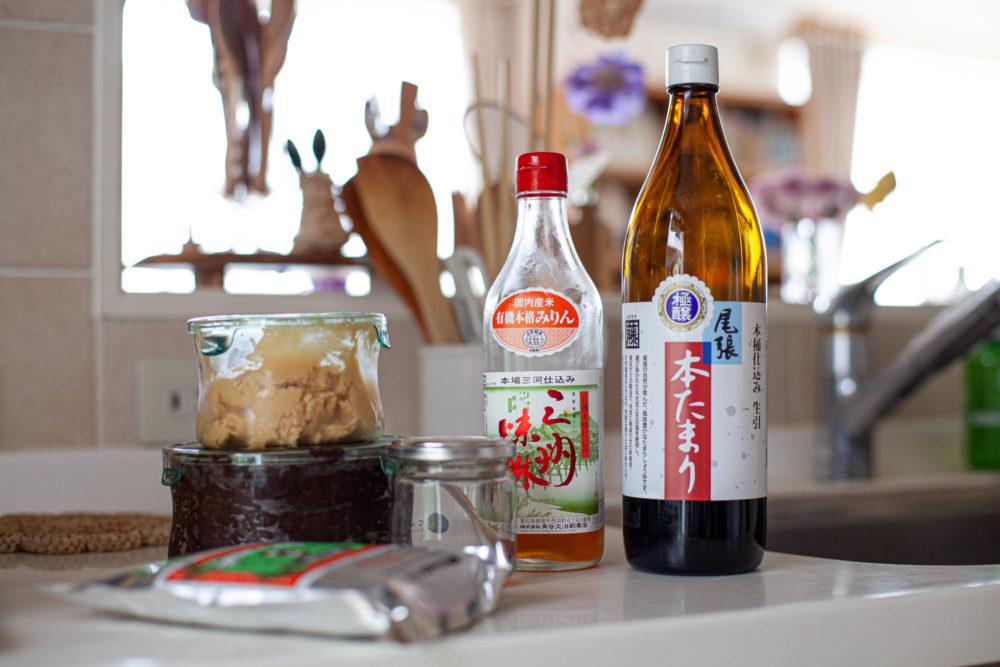 使いつづけている本醸造 / 天然調味料の味噌、塩、みりん、醤油