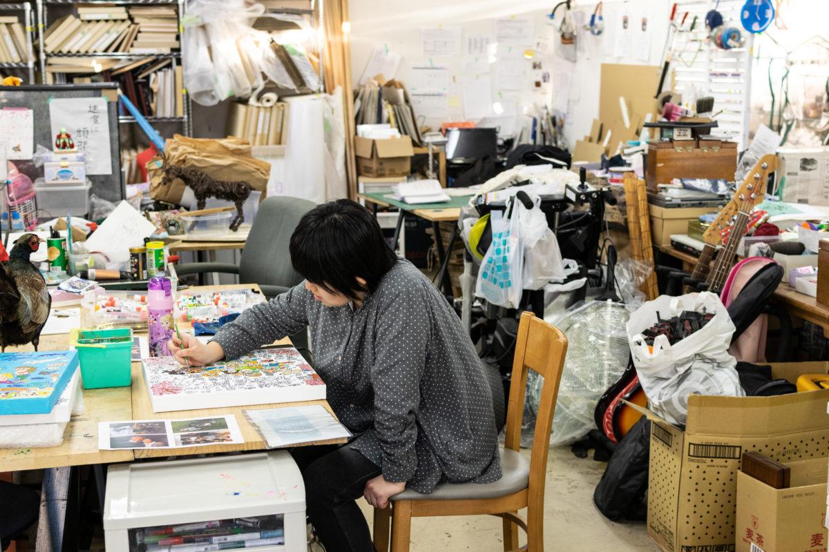 横溝さやかさんの制作風景02