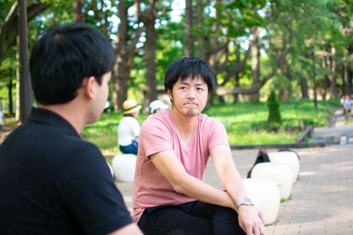 ひもっちのインタビューに答える古田大輔さん